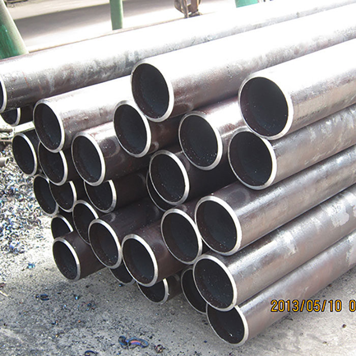 Seamless steel tube for low medium